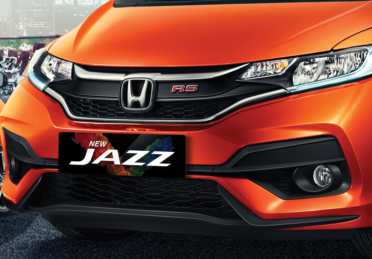 Stunning-Front-Grille-Sporty-Front-Bumper
